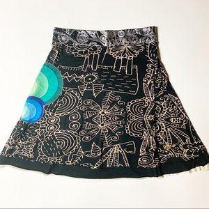 Desigual Skirt A-line black cream sketch print